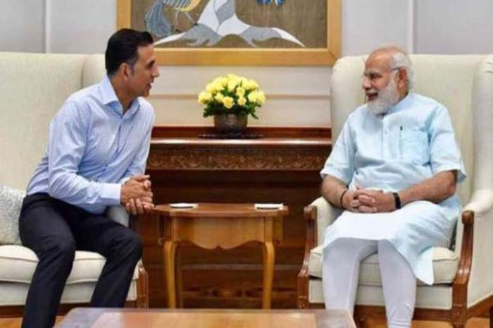 Why, after seeing the name of Akshay Kumar's film 'Toilet Ek Prem Katha', the smiling PM Narendra Modi