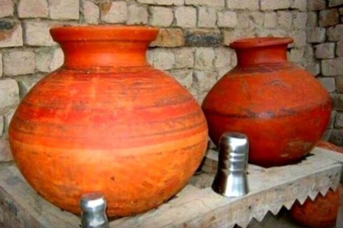pottery water is beneficial for you in the summer