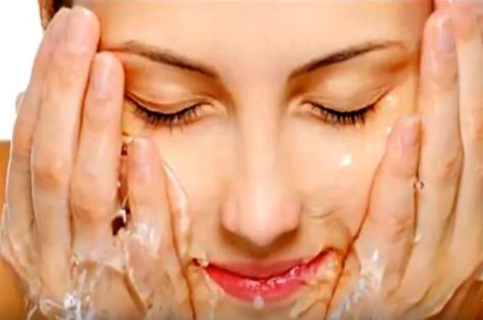 Do not forget these mistakes while doing facial wash