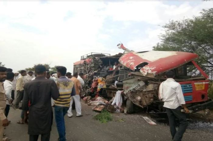 Bus Truck Accident in Akola