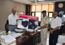 Anti pollution mask distributed by DSP in rohtak.